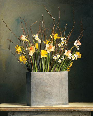 Floral arrangement ideas for your home redesignedinteriors for Martha stewart floral arrangements