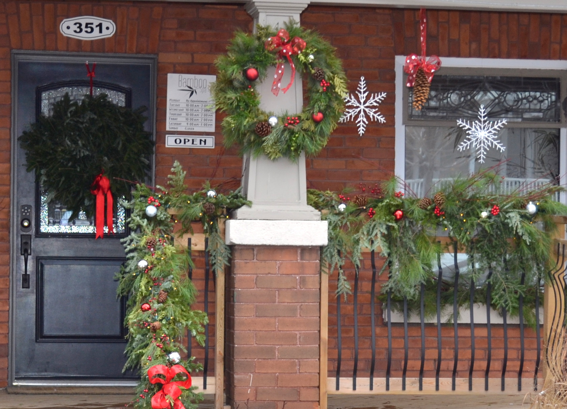 Outdoor christmas decorations redesignedinteriors for External xmas decorations
